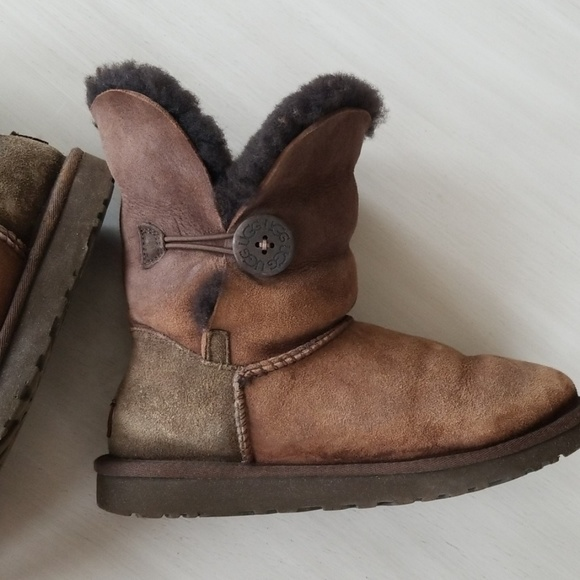 Uggs Palisade chocolate brown boot Size 7 in chocolate brown